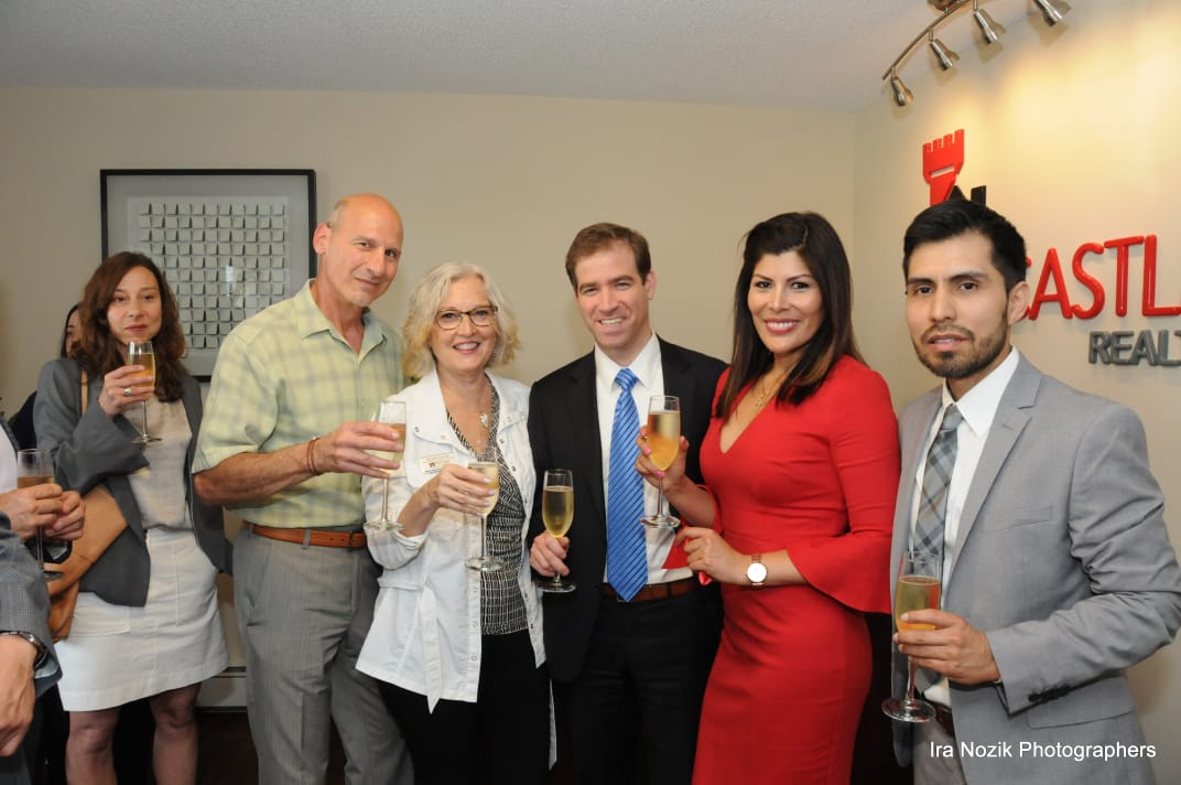Red Castle Realty Ribbon Cutting