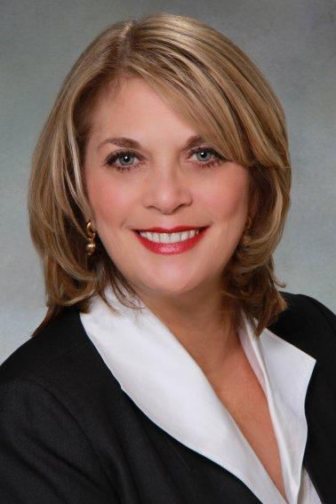 Lisa-Donatelli-headshotX2.jpg