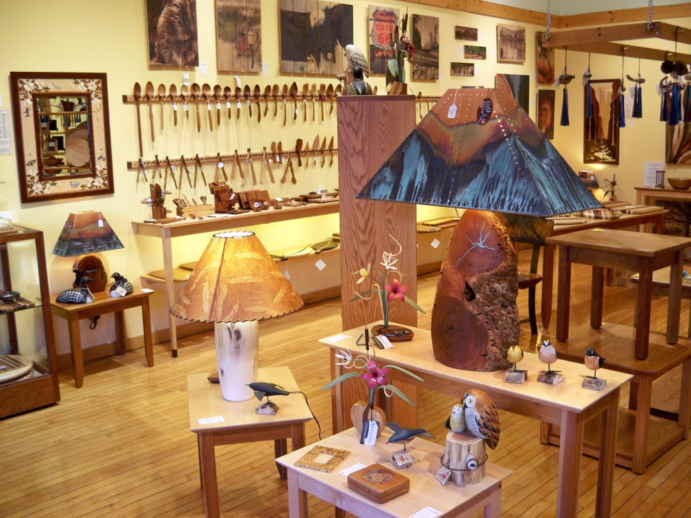 Artisan-Woods-art-gallery--mount-horeb.jpg