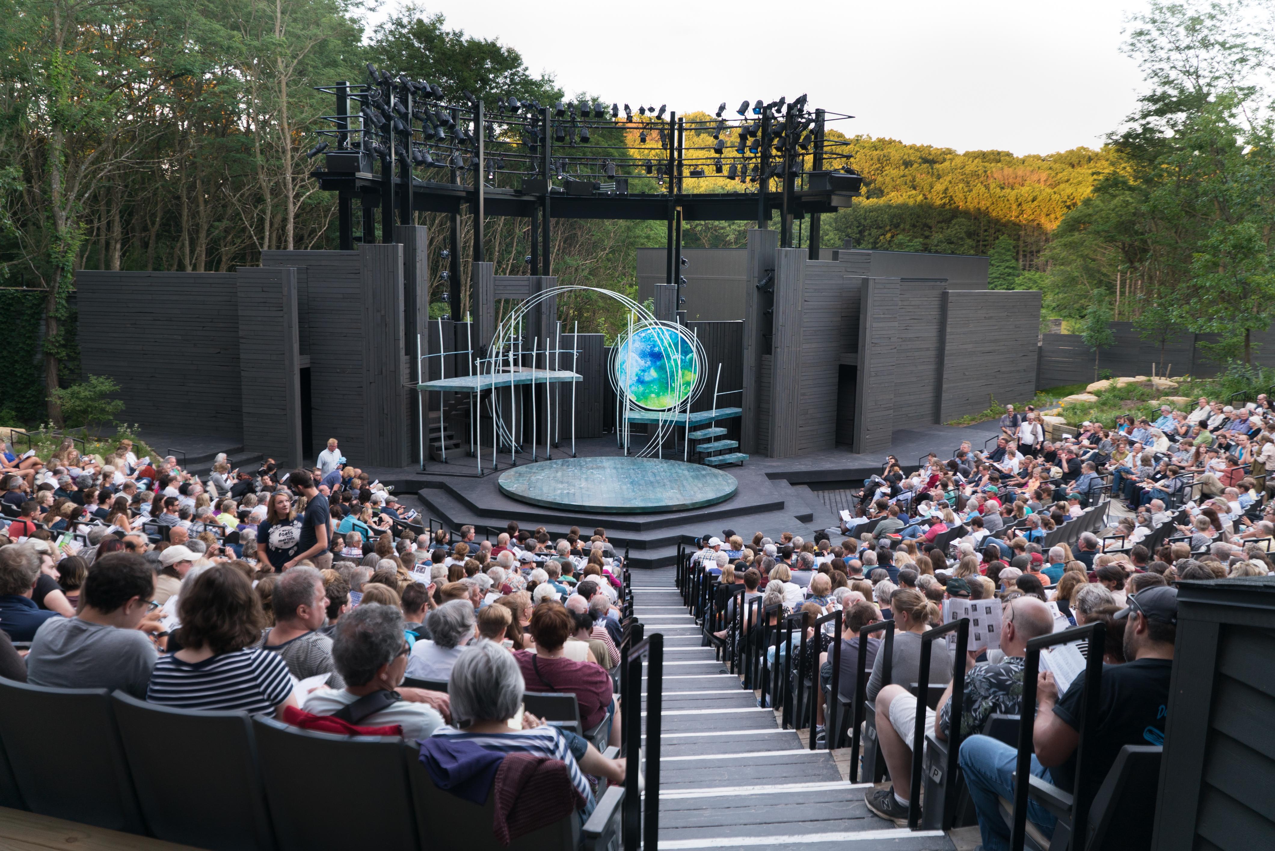 APT---Theatre-Pic.jpg