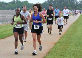 RunnersOnDam.jpg