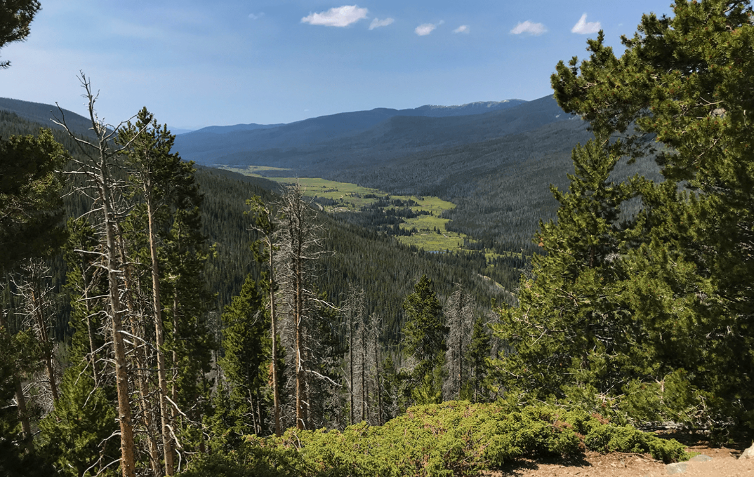 Far-View-Curve-in-Rocky-Mountain-National-Park-near-Kremmling.-CO---Grand-County.png