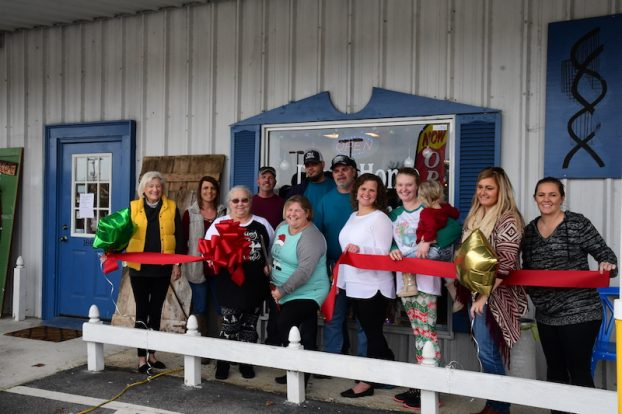 12-14-Down-home-furnishings-ribbon-cutting-622x414.jpg