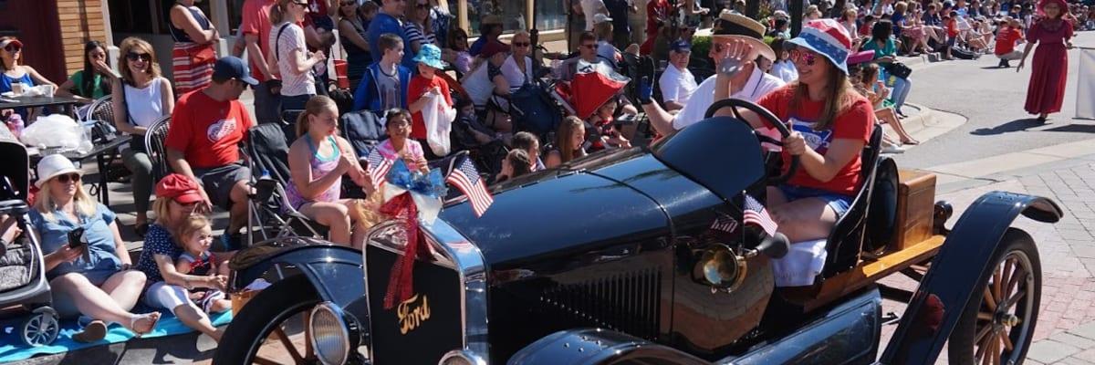 Parade-car.jpg