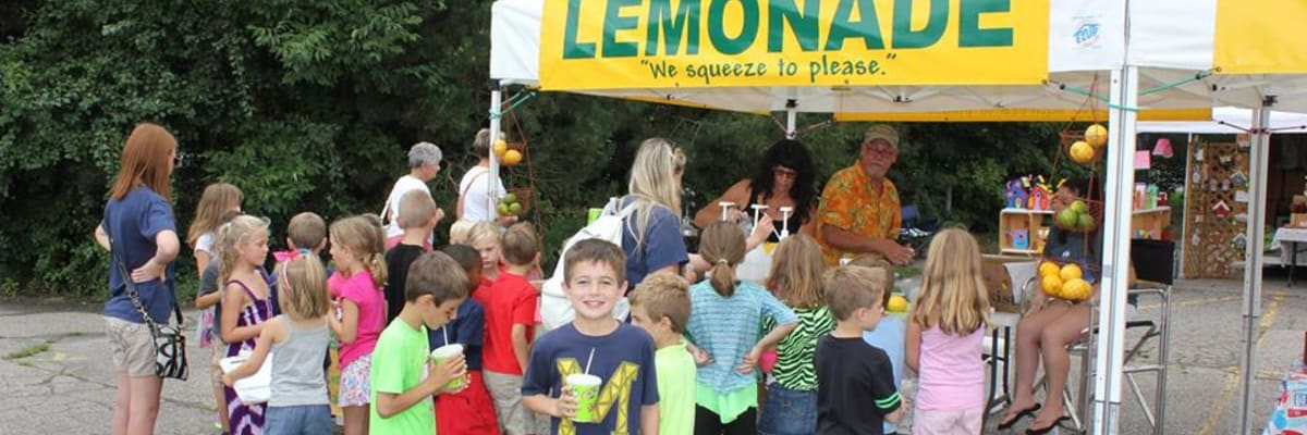 Lemonade-with-kids.jpg