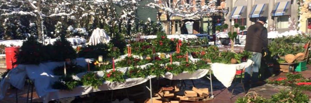 Greens-Market-wreaths-2-w1198.jpg