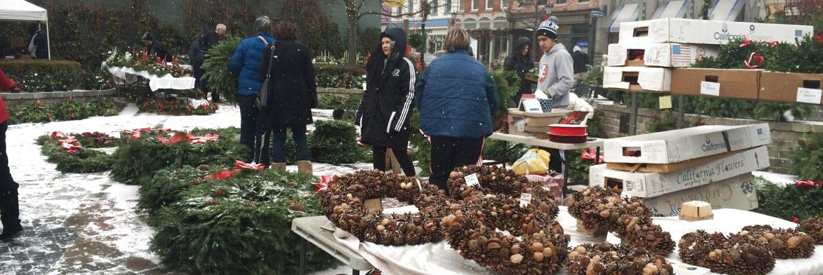 Greens-Market-wreaths-w1198.jpg