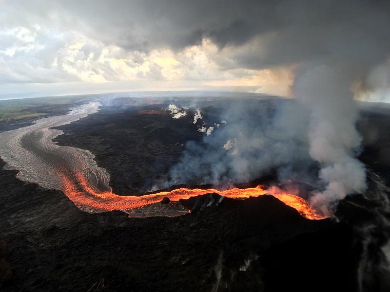 Island of Hawai'i Volcano Update