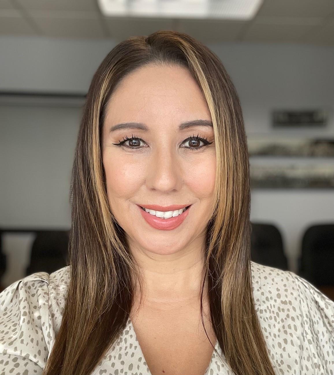 Jennifer-Medinas---head-shot.jpg