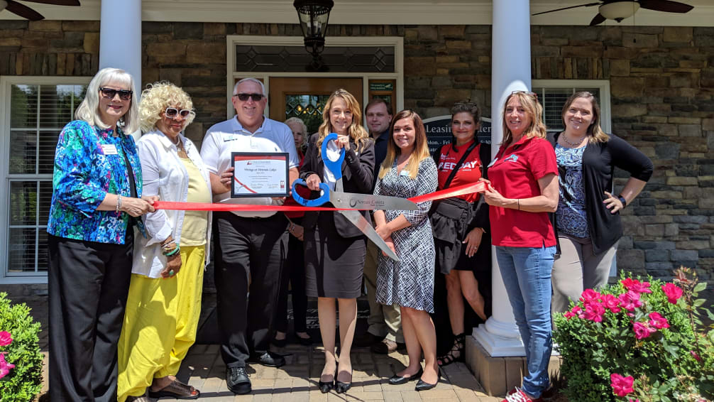 Vinings-at-Newnan-Lakes-ribbon-cutting-w1006.jpg