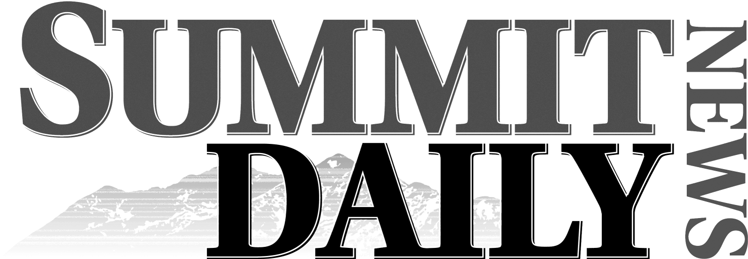 Summit-Daily-grey-scale-w1478.png