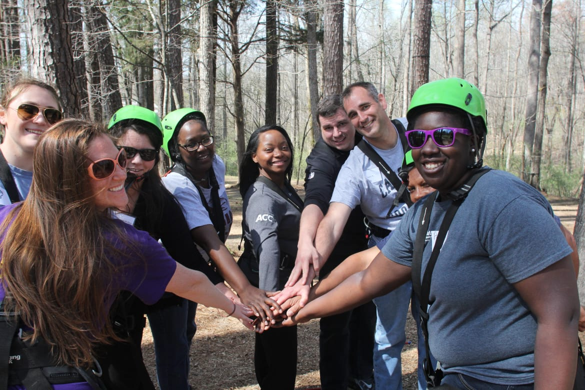 Leadership---Web-Carousel---Leadership-Rope-Course.v1-w1170.jpg