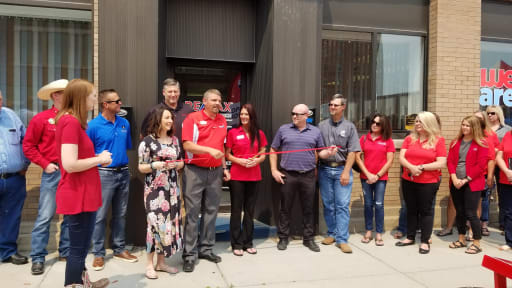 REMax-Ribbon-Cutting-w512.jpg