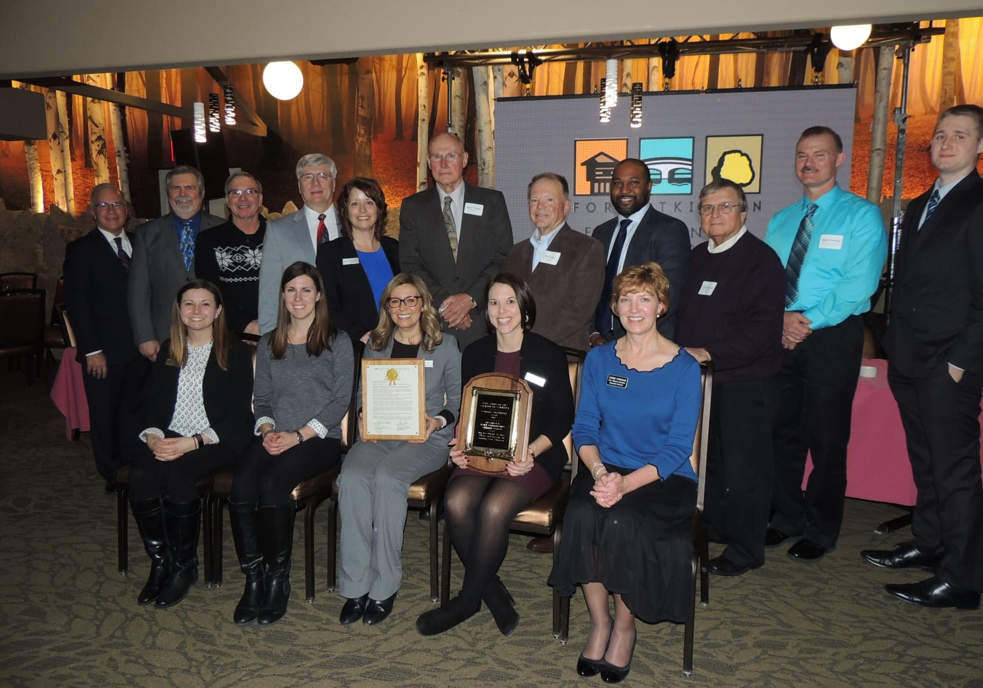 2018 Economic Contribution Award Winner: Fort Community Credit Union team members join in recognition.