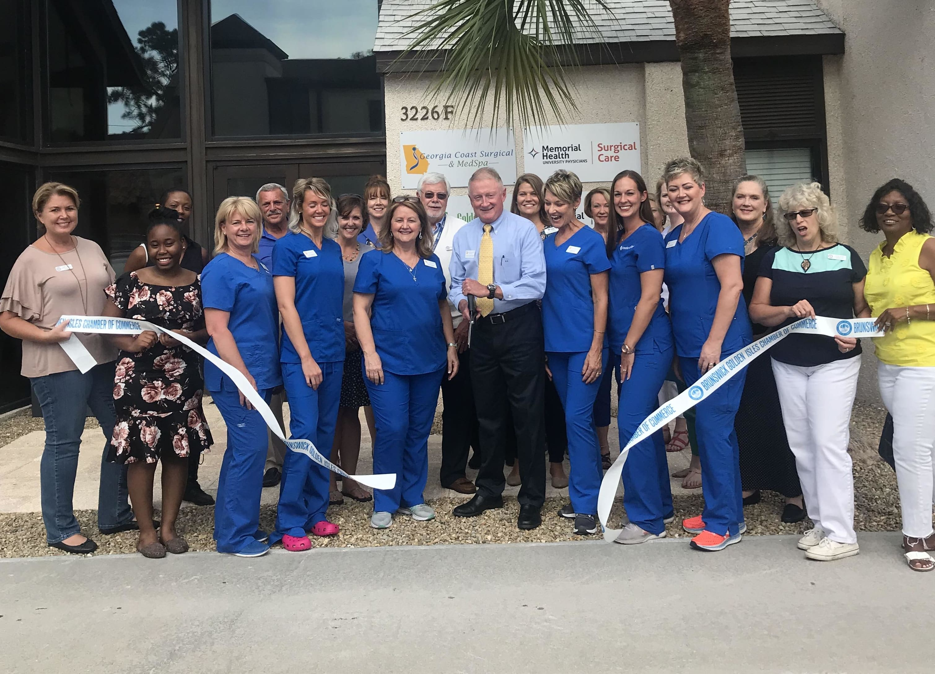 GA-Coast-surgical-ribbon-cutting-1-08-2018-w3019.jpg