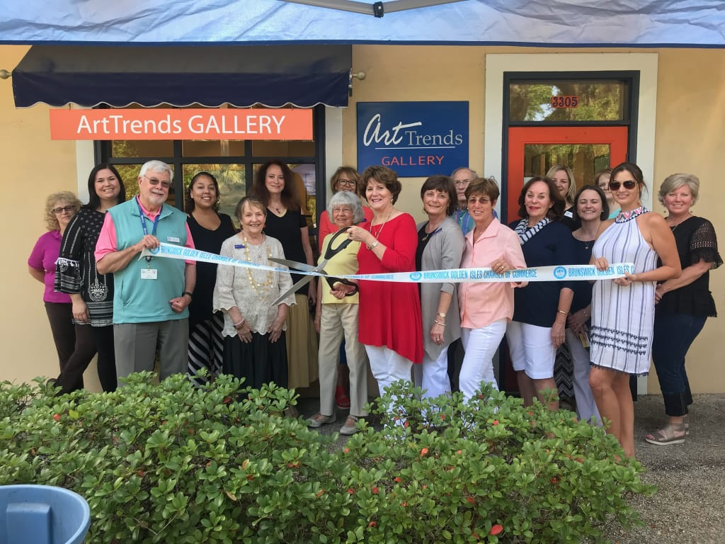 arttrends-gallery-ribbon-cutting-w1024.jpg