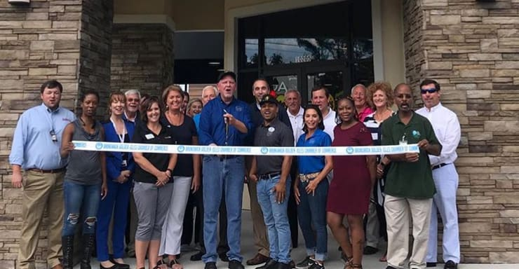 moes-ribbon-cutting-09-2018-w740.jpg