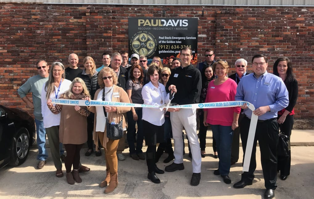 Paul-Davis-Ribbon-Cutting-02-18-w2039-w1019.jpg