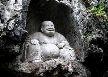 Lingyin-Temple---buddah.jpg