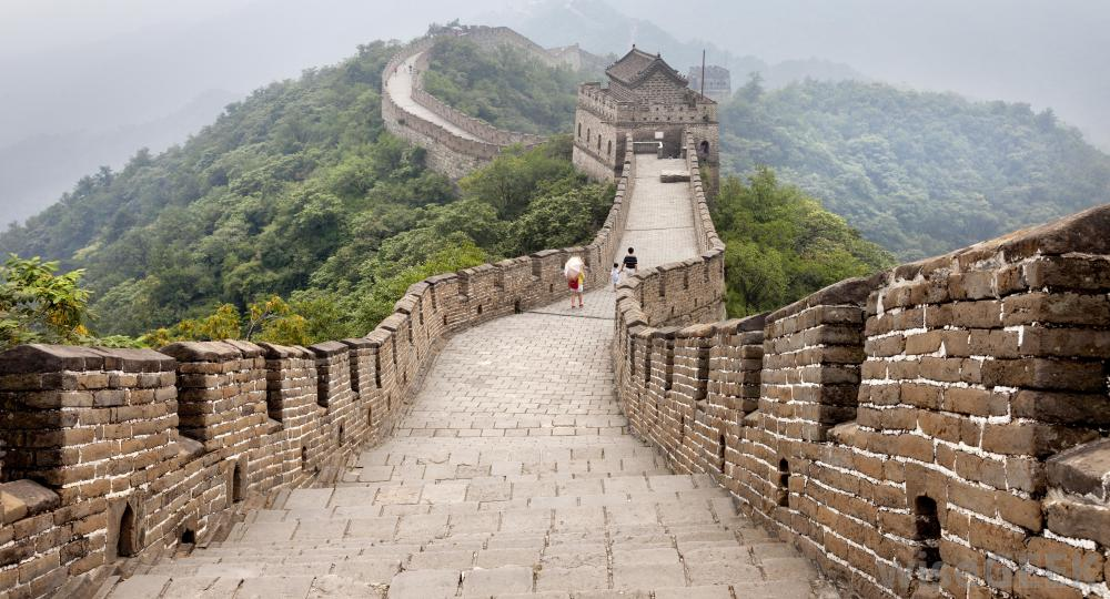 great-wall-of-china-with-clouds.jpg