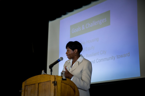 City Manager Dee Williams-Ridley