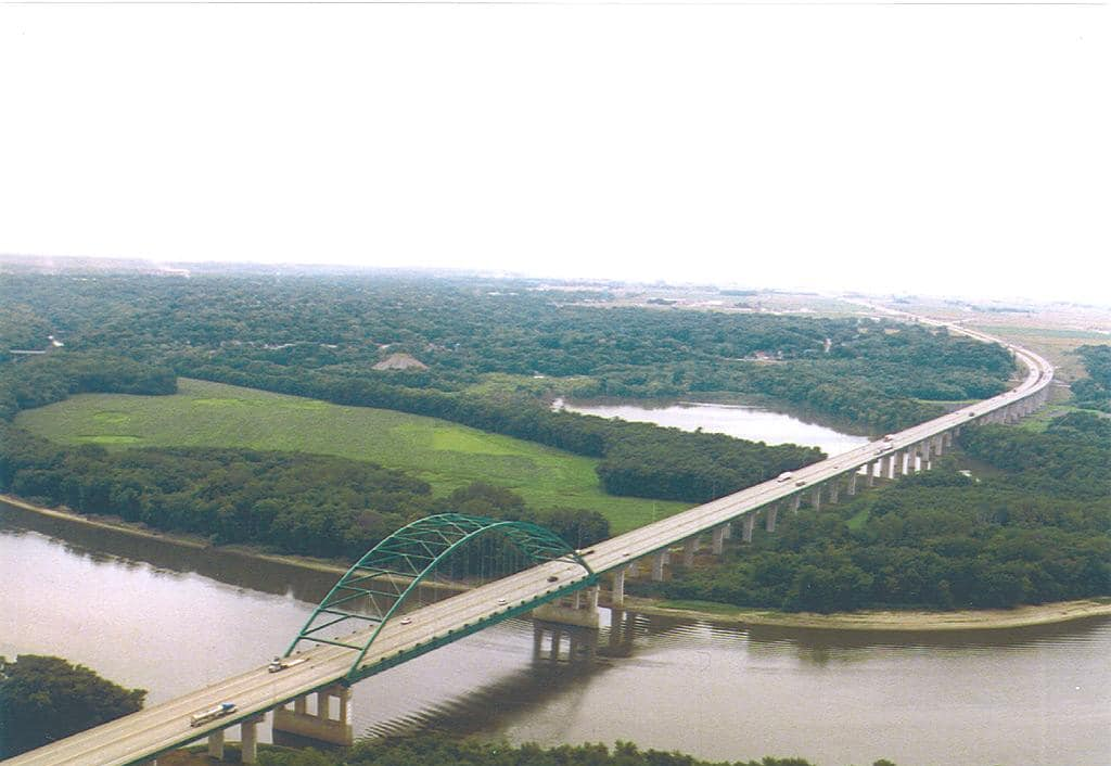 Abraham-Linc-bridge-aerial-w1024.jpg