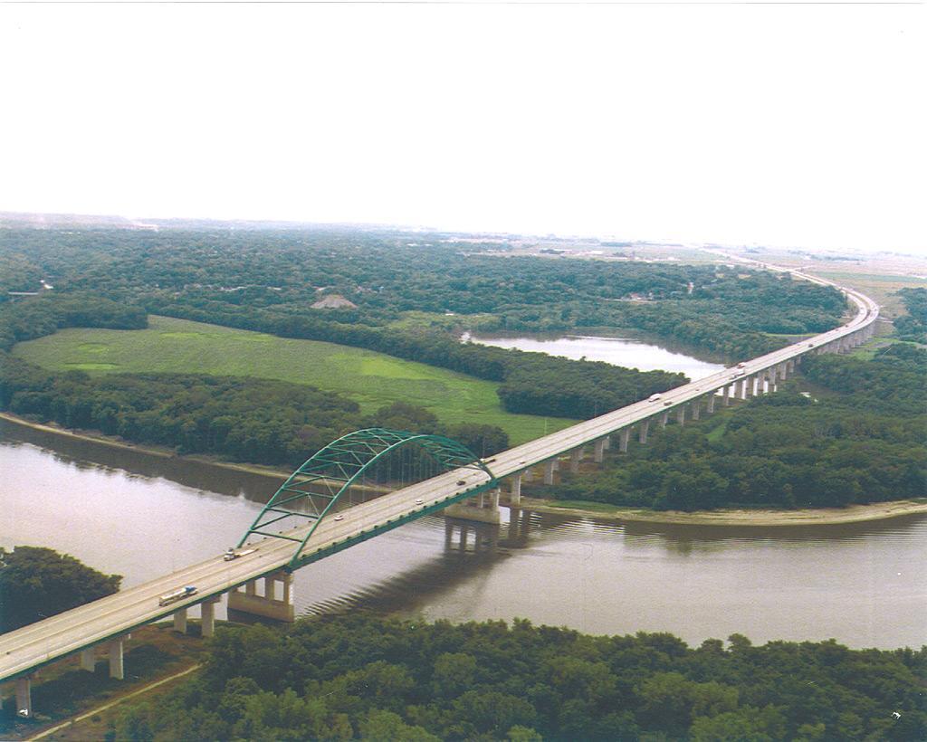 Abraham-Linc-bridge-aerial.jpg