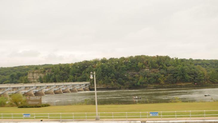 Starved-Rock-Dam.JPG-w730.jpg