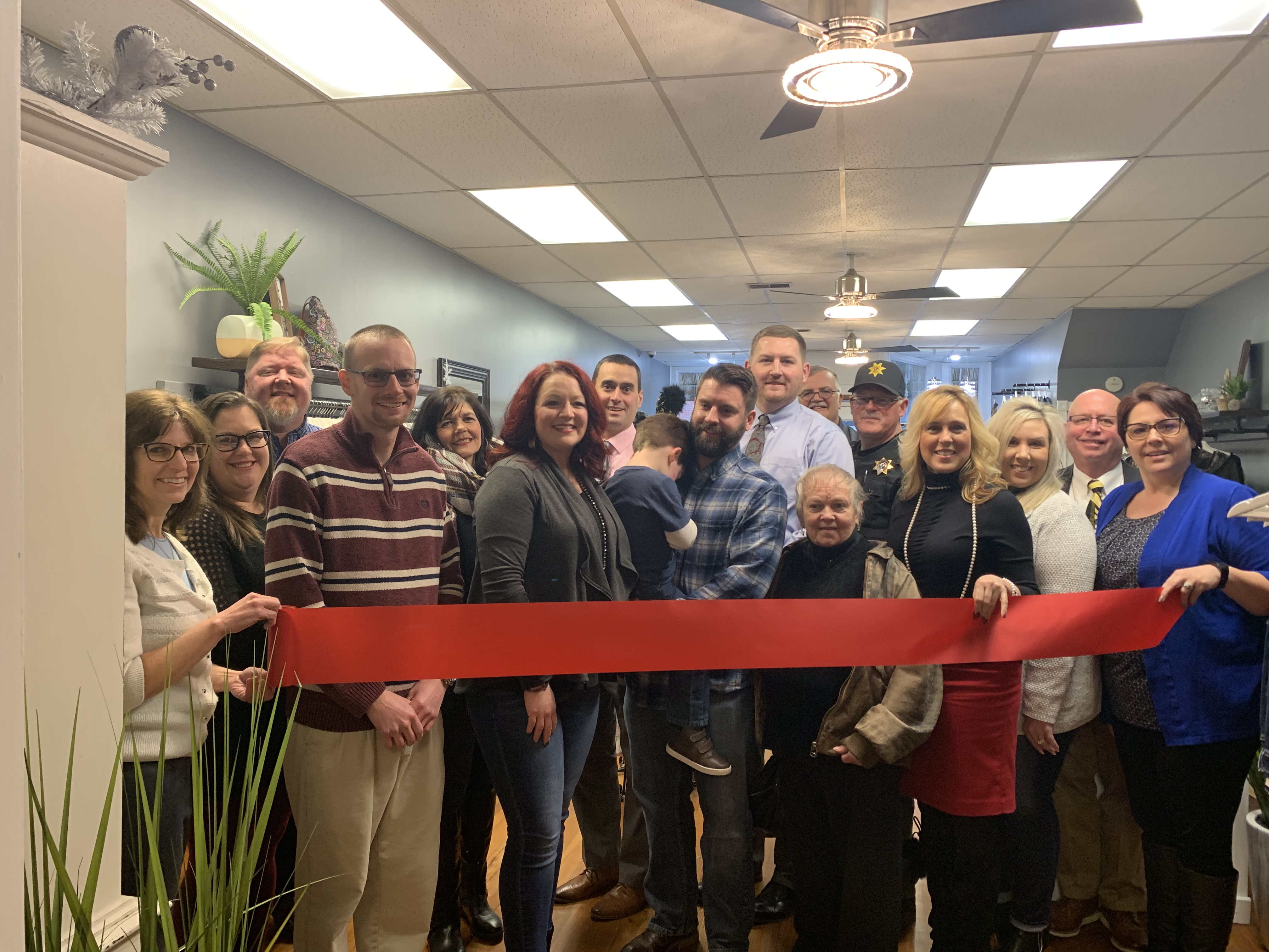 T's Boutique in Downtown Utica Ribbon Cutting