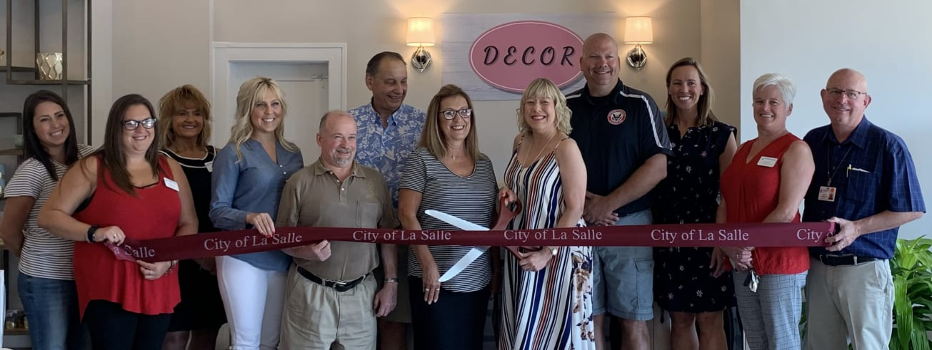 Decor-Ribbon-Cut-w1305.jpg