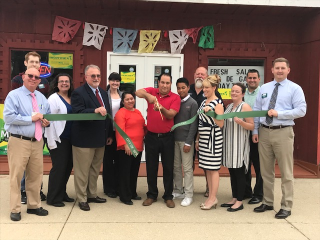 La Bamba Supermarket Ribbon Cutting