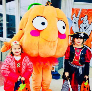 Trick-or-Treat-Main-Street-2017-Libby-Mascot-and-friends-w540-w375.jpg