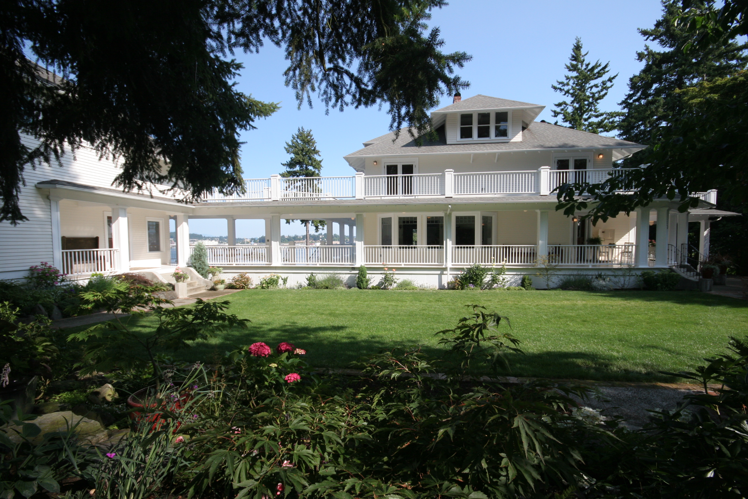 Cedar Cove Inn