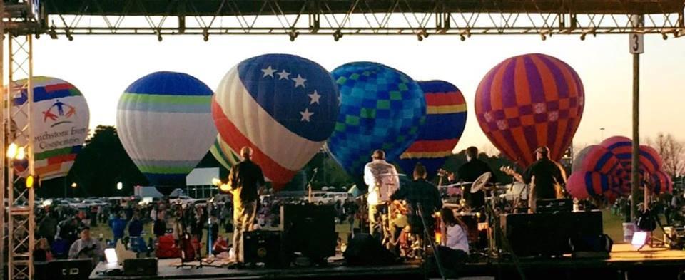 Band_and_Balloons.jpg