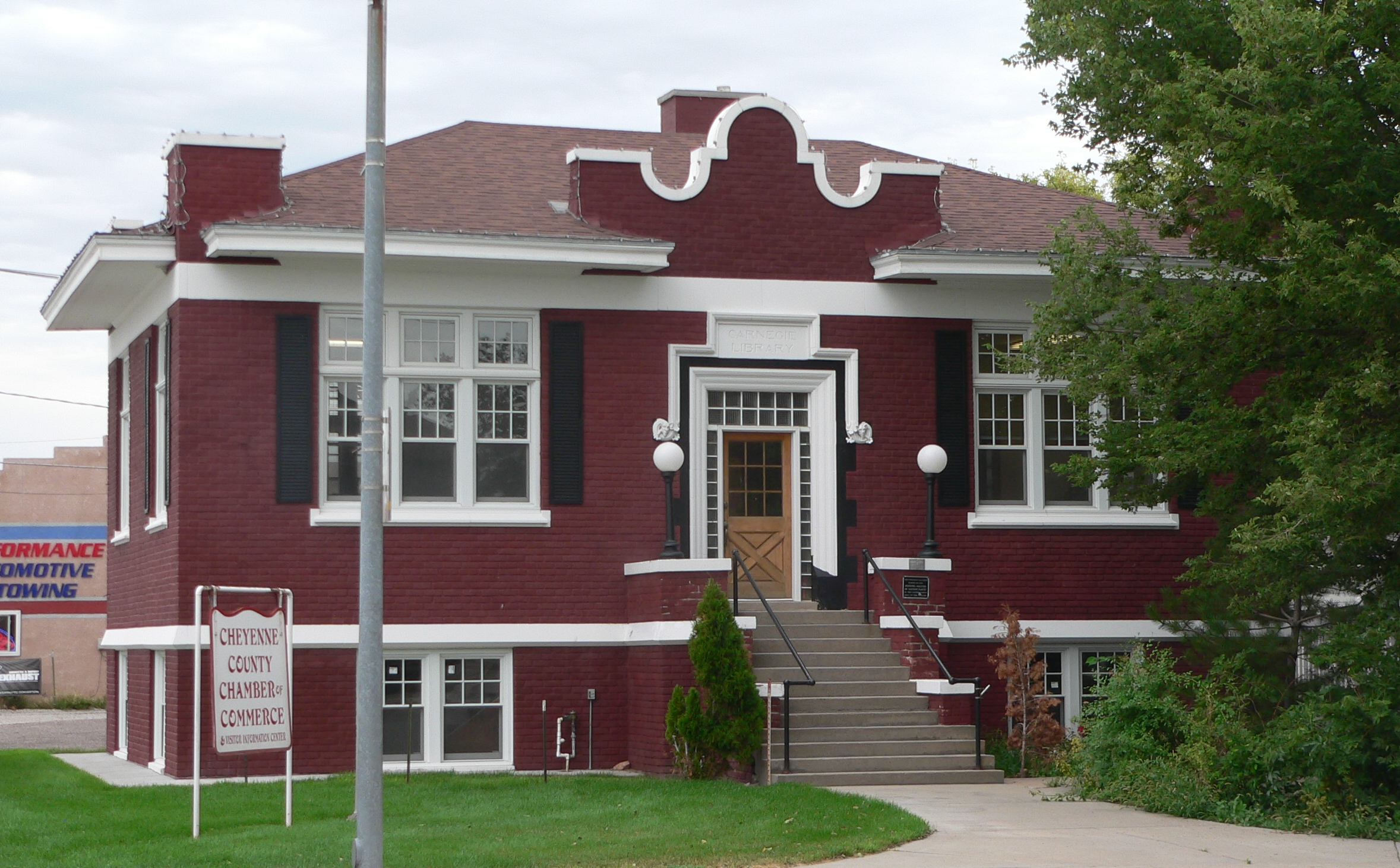 Sidney,_Nebraska_Carnegie_library_from_SW_3.JPG