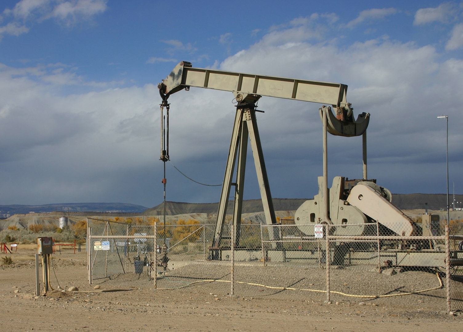 PumpJack-and-Tank-web.jpg