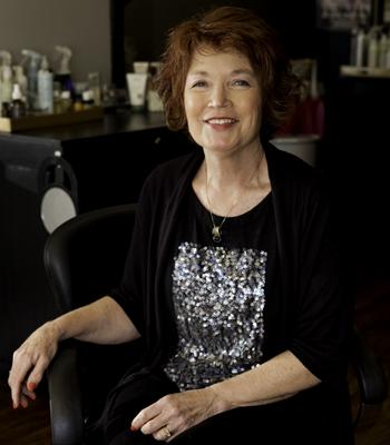 Julie Vincent, Cameo Salon
