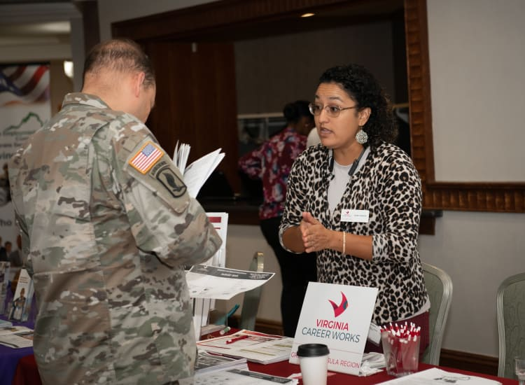 2019-0718-Military-Business-Job-Fair-(12)-w750.jpg