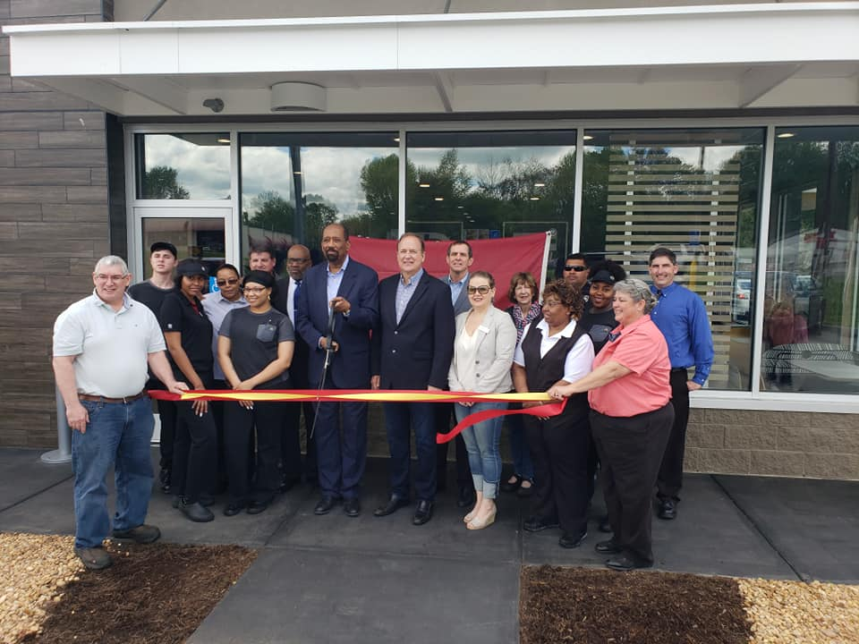 McDs-Ribbon-Cutting-Centerville-2019.jpg