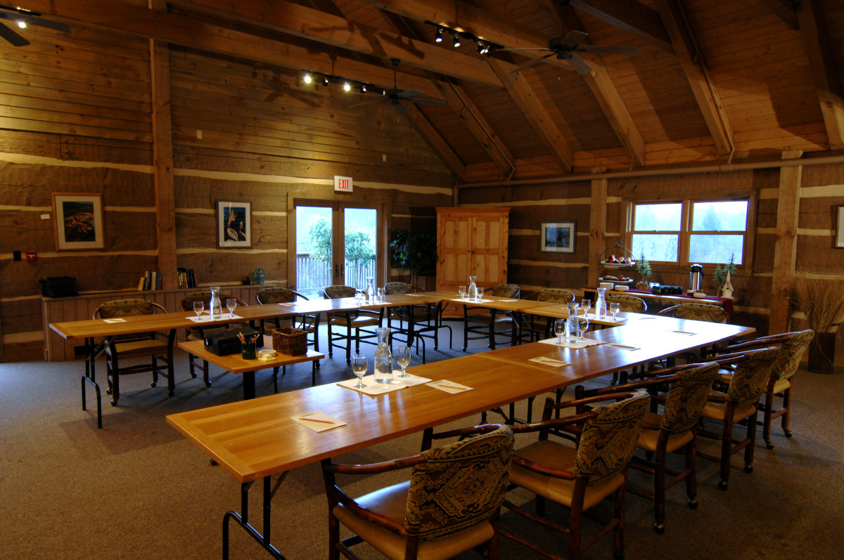 Savage-River-Lodge-Meeting-Room.JPG