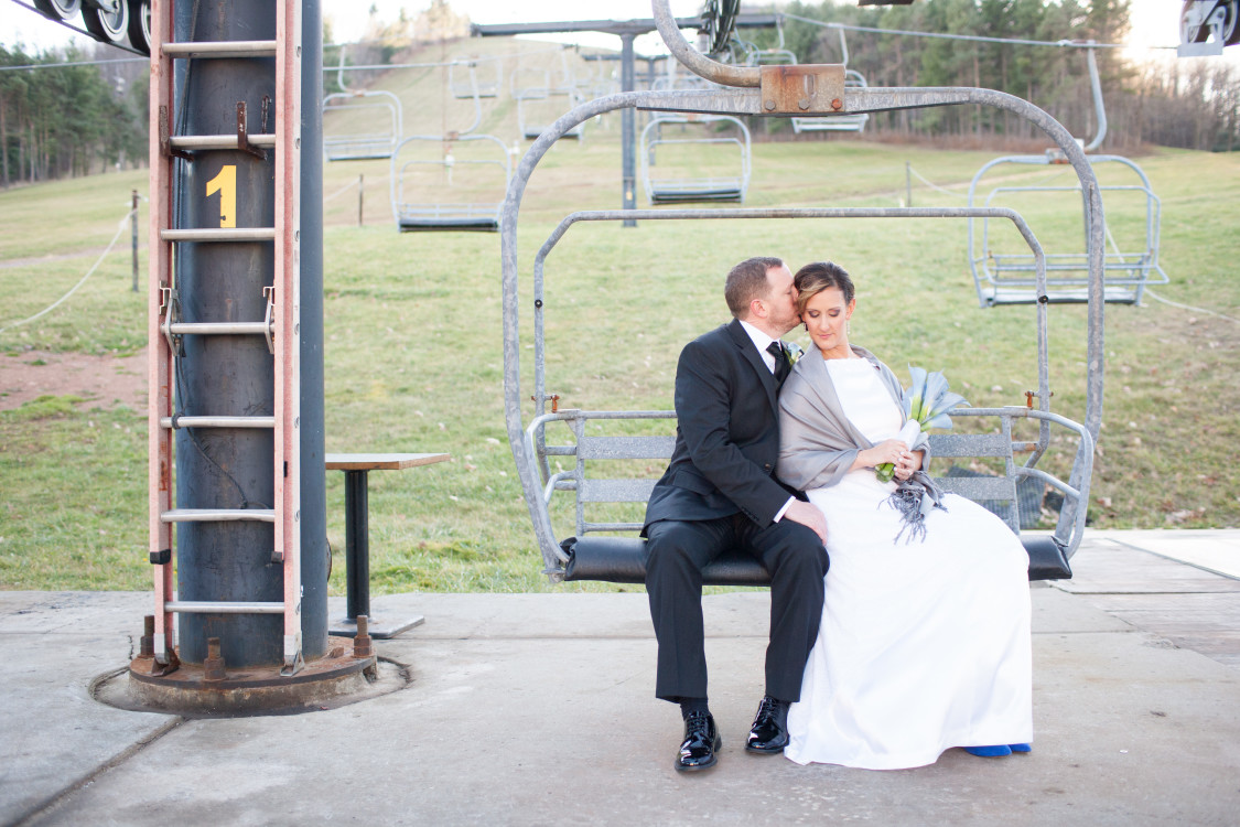 Wisp-Resort-Chairlift-Bride-Groom.jpg