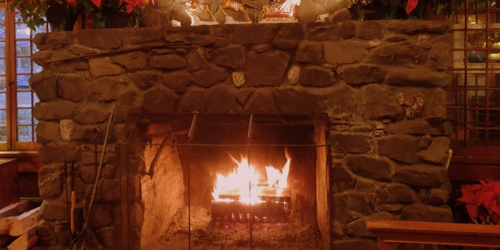 93_Fireplace_Lake_Crescent_Lodge.jpg