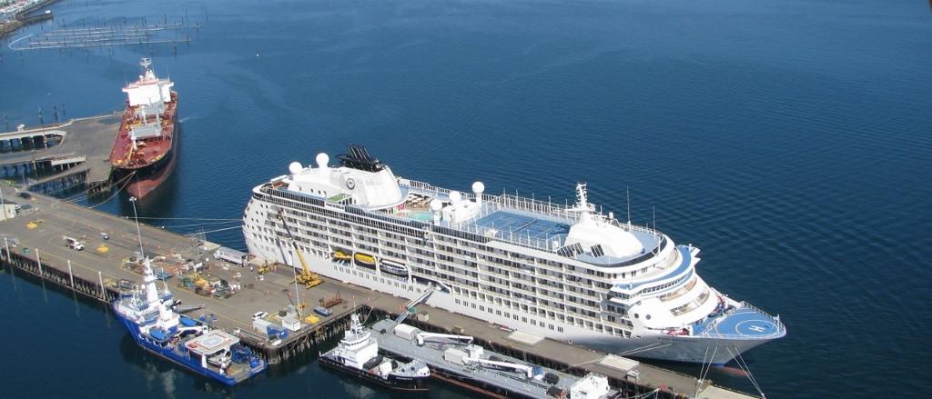 96_Cruise_ship1.jpg