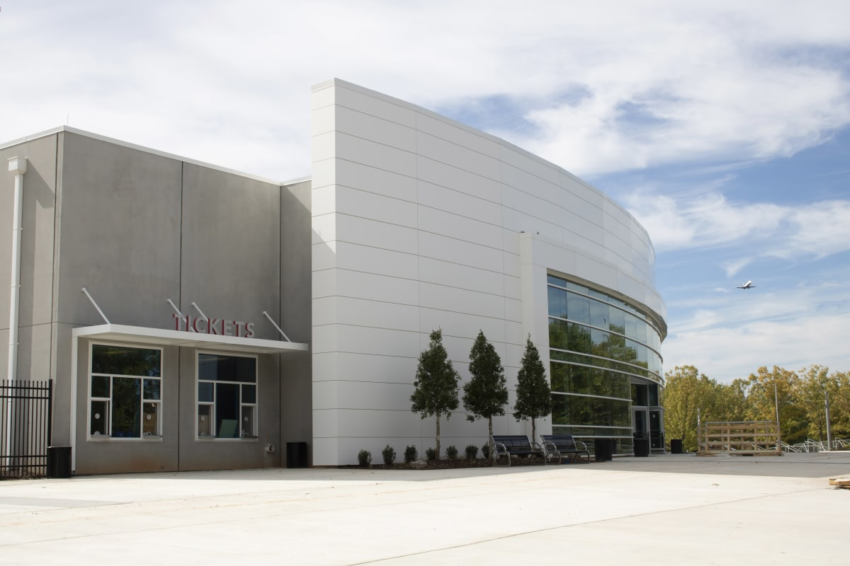 GICC-Gateway-Center-Arena---Front4-w1200.jpg