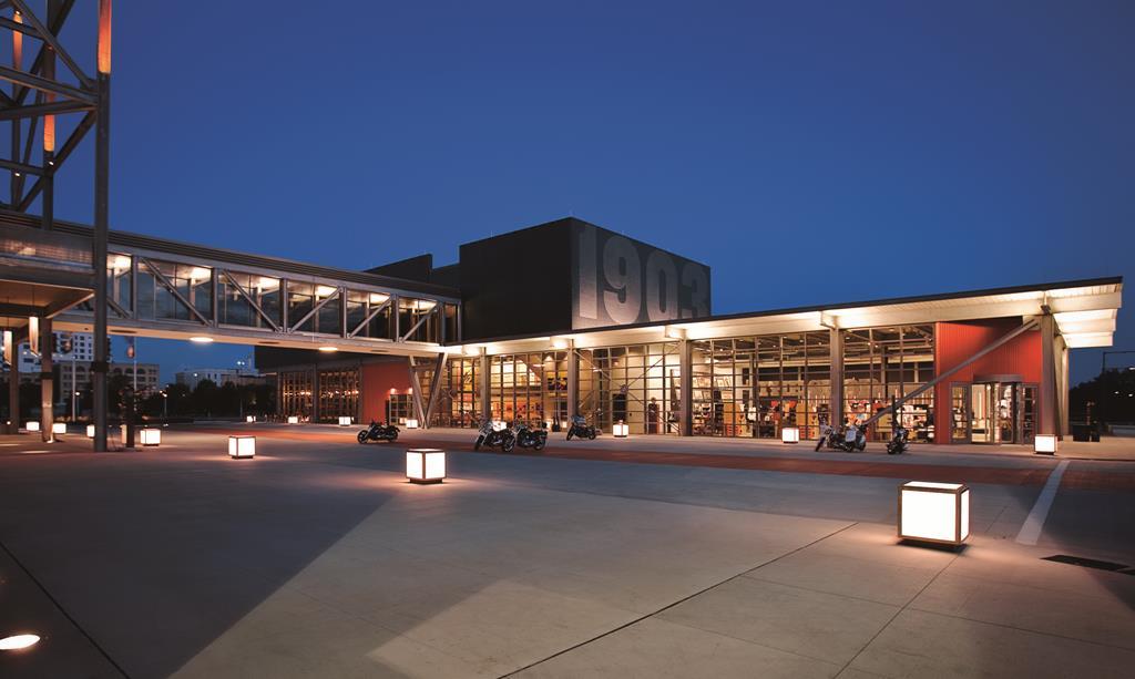 H-D-Museum-Exterior---Plaza.jpg