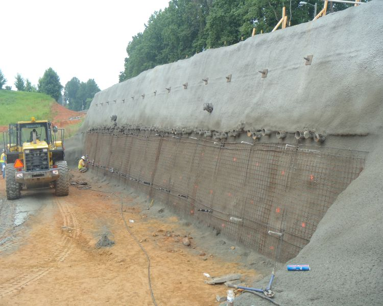 3_Construction_of_Soil_Nail_Wall_at_Launch_Side_of_Railroad_Embankment.jpg