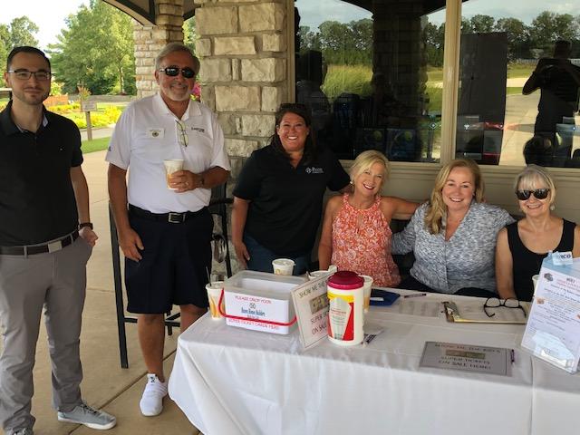golf-9.21-volunteers-.jpg
