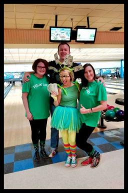 Bowling-2-h386-v.jpg