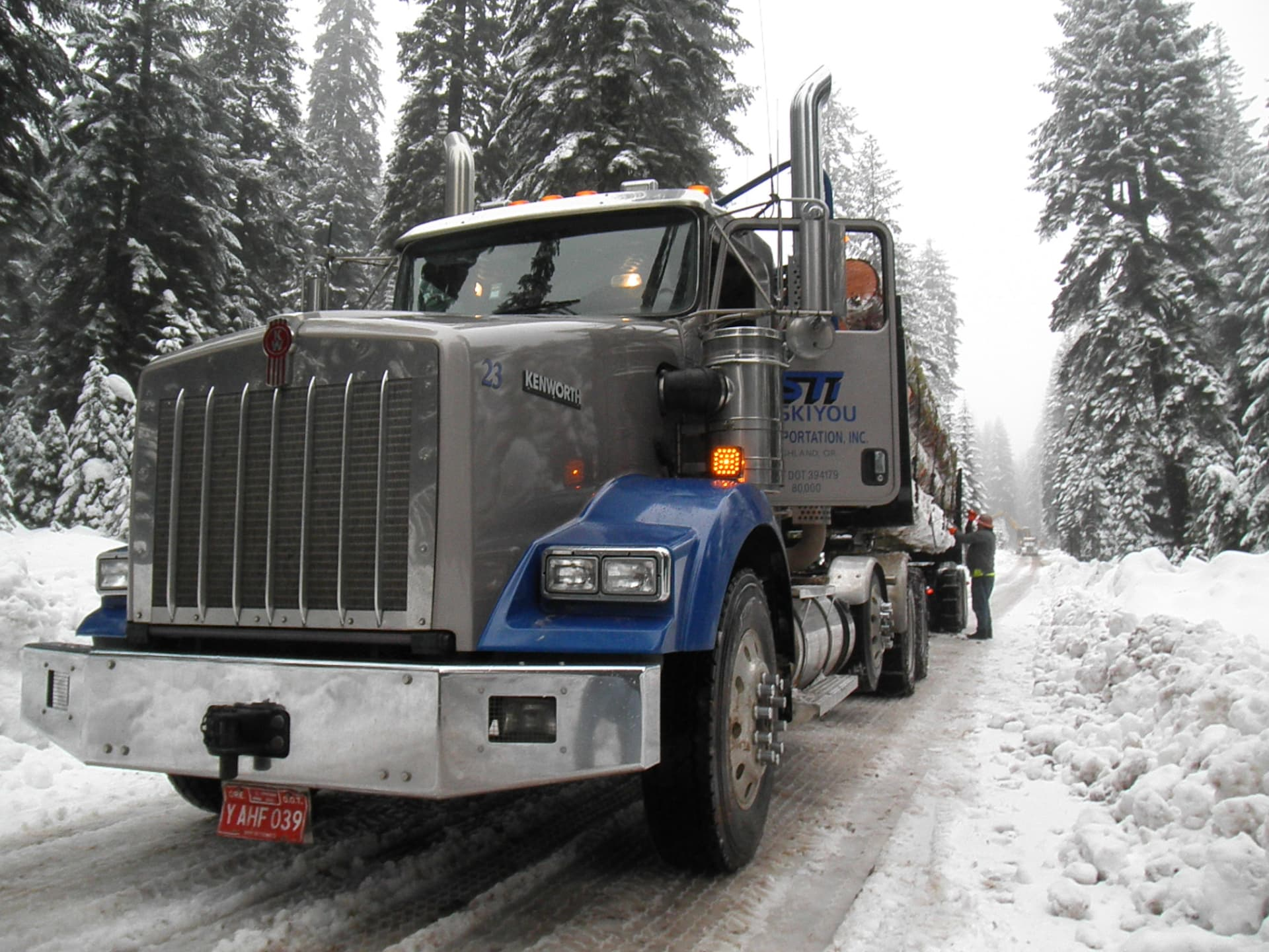 SiskiyouTransportationWinterTruck.JPG-w1920.jpg