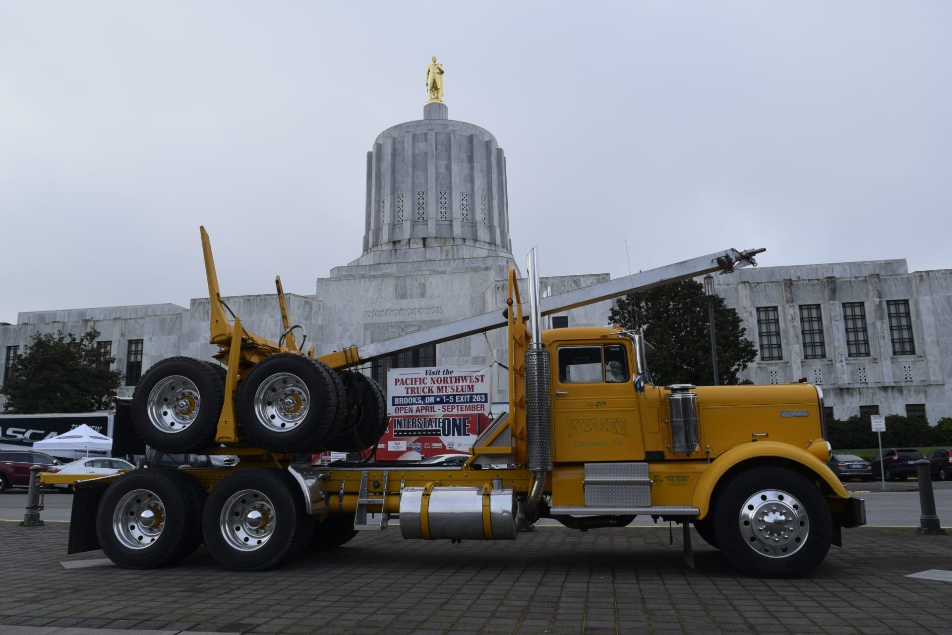 Trucking-Museum-Capitol-w1920.jpg
